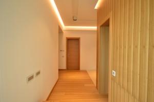 placare_lambriu_furnir_casa_moderna