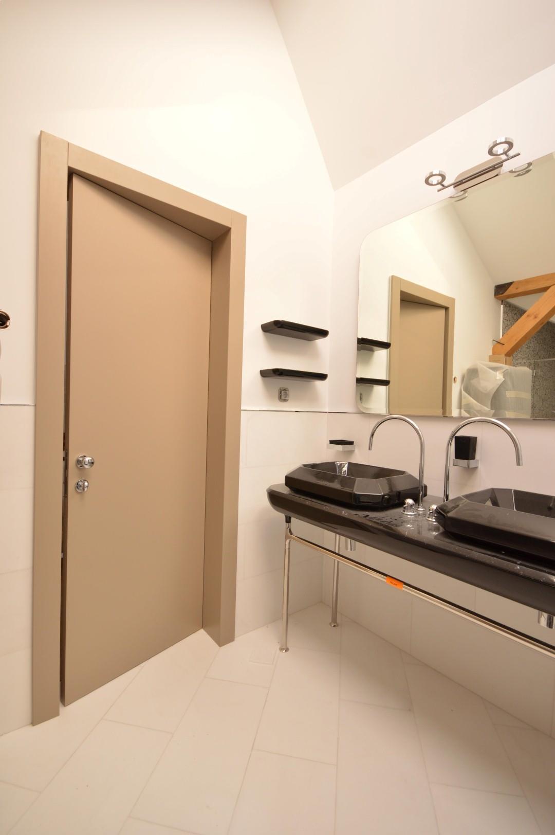 Usi de interior pentru baie u i de interior for Usi de interior