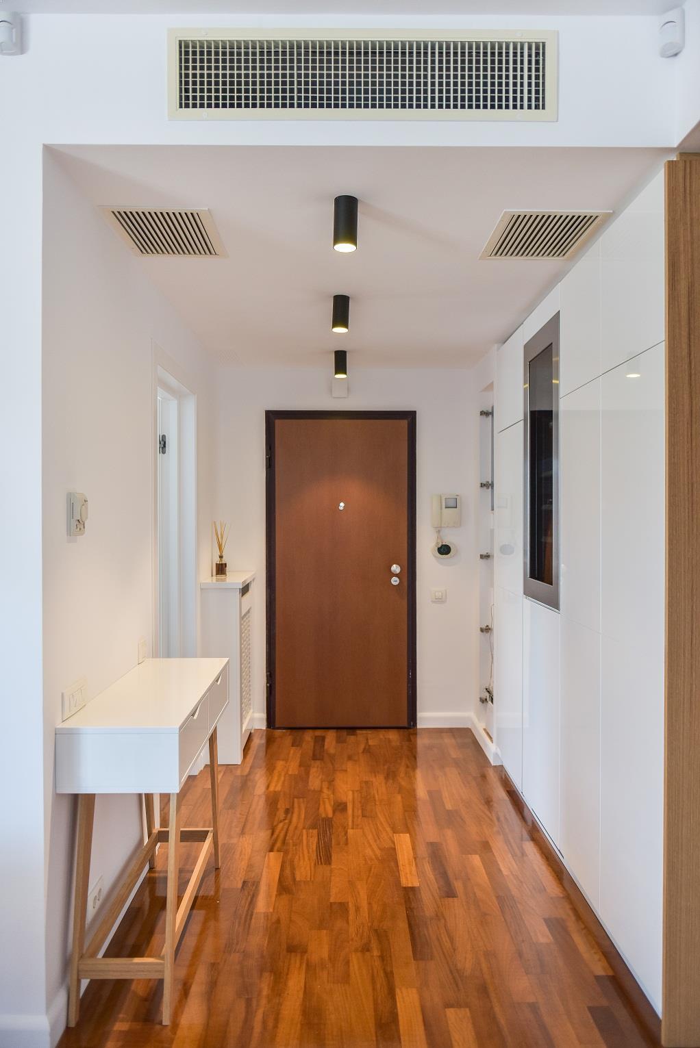 Design_Scandinav_usi_albe_White_Design_Bucuresti