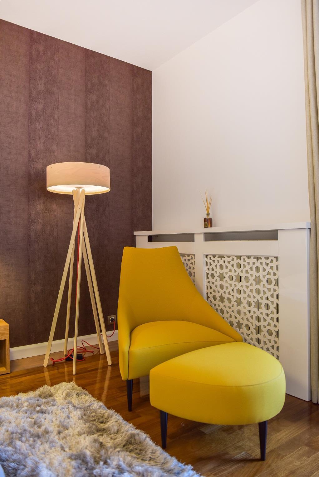 Design_Scandinav_usi_albe_White_Design_usi_de_interior_bune